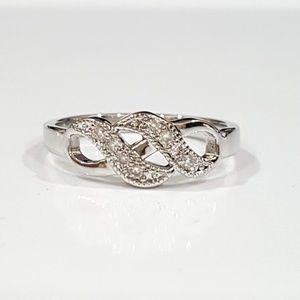 18k White Gold & Simulated Diamond Ring